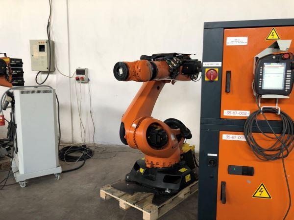 KUKA KR240R2500 KRC4 Robot Kol